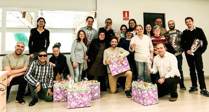 STP Group empresa de tecnologia y Caviga celebran el dia de Sant Jordi en Viladecans